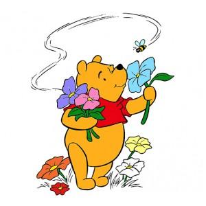 Мечо Пух, Помирисва цветята